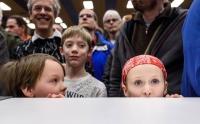 На протяжение всего турнира, среди зрителей было много детей