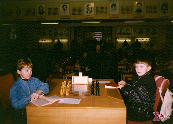 Слева на право: Роман Ловков (ныне ММ, тренер по шахматам) и Никита Витюгов