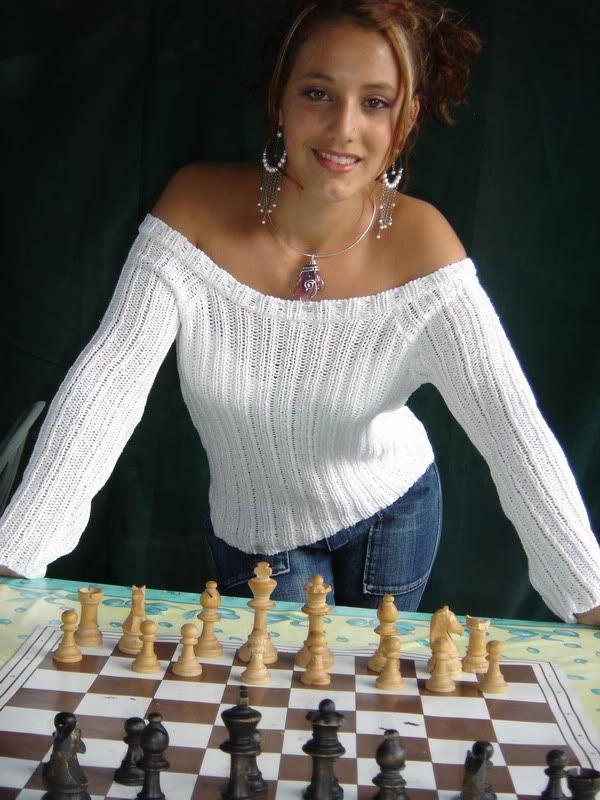 Красивая шахматистка Джессика Басланд (Jessica Basland) - Франция