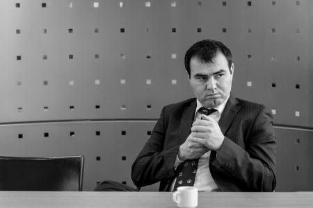 Азербайджанский шахматист Шахрияр Мамедьяров выглядит более чем серьезно