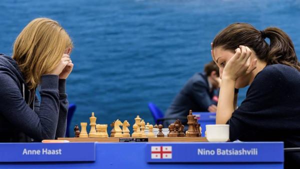 Анна Хааст (Голландия) и Нино Бациашвили (Грузия)