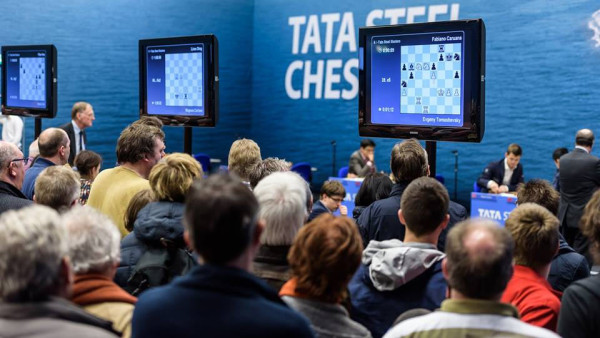 Последний, 13 раунд турнира Tata Steel Chess Tournament-2016. Взгляды любителей шахмат устремлены в сторону сильнейших игроков планеты