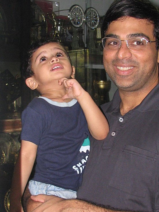 Ананд с сыном Ахилом