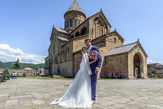 Anish Giri and Sopiko Guramishvili tie the knot!  chess24com