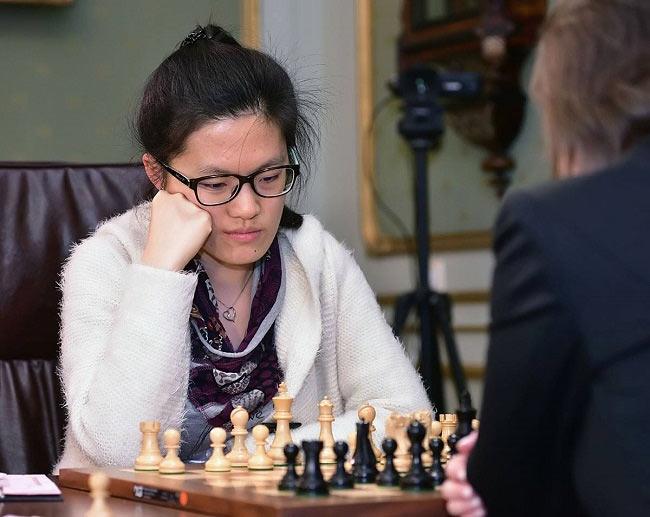 Хоу Ифань - старый и новый чемпион мира по шахматам среди женщин