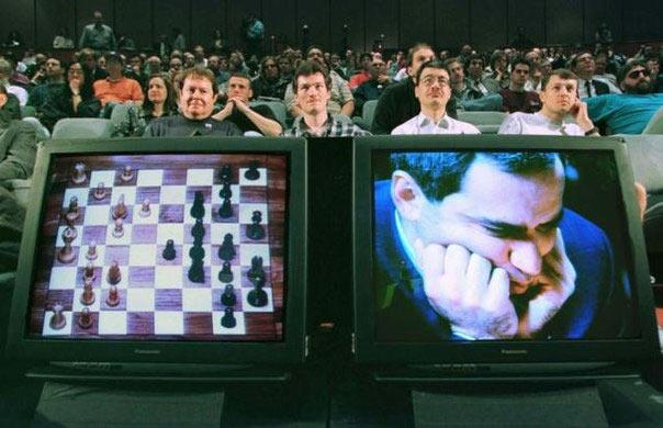 Фрагмент матч-реванша суперкомпьютера Deep Blue от IBM и Гарри Каспарова (1997 год). Увы, чемпион мира не смог устоять против машины