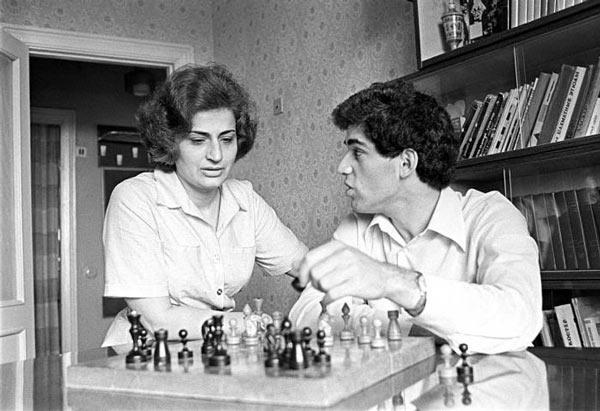 Гарри Каспаров с матерью