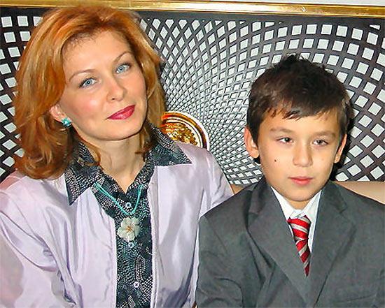 Вторая жена Каспарова Юлия Вовк с сыном Вадимом