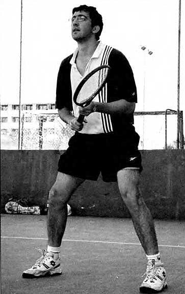 Владимир Крамник на теннисном корте
