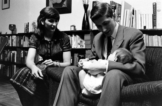 Бобби Фишер с сестрой Джоан и племянницей на руках