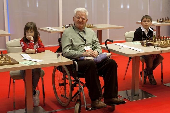 Борис Васильевич Спасский по-прежнему желанный гость на различных шахматных состязаниях, которые он посещает несмотря на проблемы со здоровьем