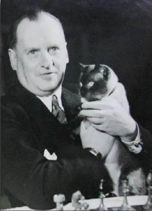 Алехин с котом