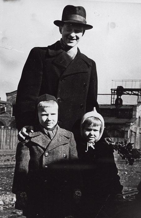 Пауль Керес с детьми