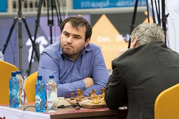 Шахрияр Мамедьяров играет против Василия Иванчука (чемпионат мира по быстрым шахматам Доха 2016 (Катар)
