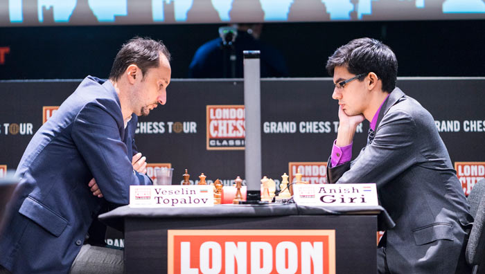 Веселин Топалов (Болгария) и Аниш Гири (Нидерланды). В каком-то смысле можно порадоваться за Топалова - он не проиграл в седьмом туре. Для Веселина этот турнир складывается не лучшим образом