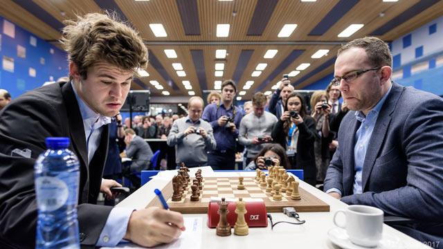 Магнус Карлсен (Норвегия) и Павел Эльянов (Украина)