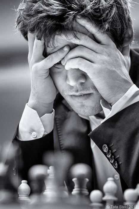 Магнус Карлсен крепко призадумался