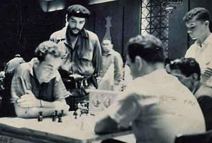 Че Гевара наблюдает за игрой Марка Тайманова