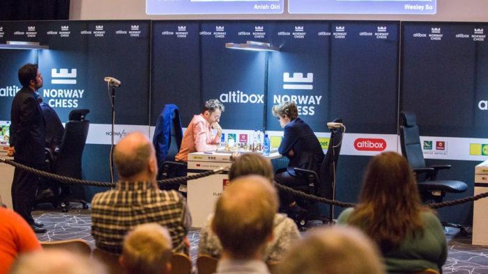 Во время 4-го тура Norway Chess 2017 в зрительном зале был аншлаг