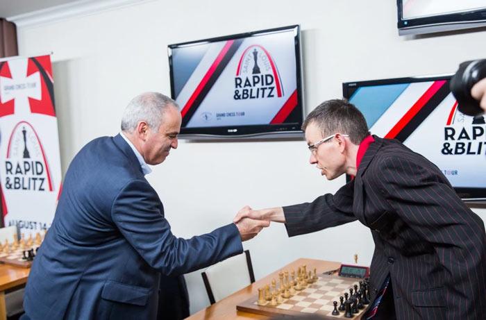 Гарри Каспаров и Давид Навара (шахматный турнир Сент-Луис 2017)
