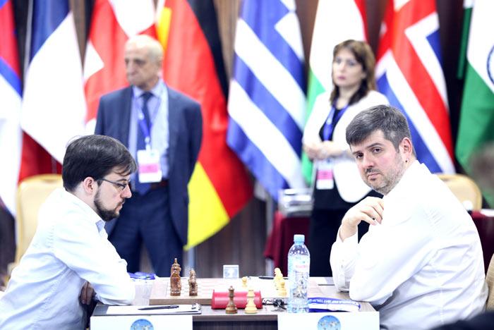 Максим Вашье-Лаграв (Франция) и Петр Свидлер (Россия) - Кубок мира по шахматам 2017, Тбилиси, Грузия