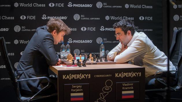 Сергей Карякин и Владимир Крамник на турнире претендентов по шахматам (Берлин, 2018)