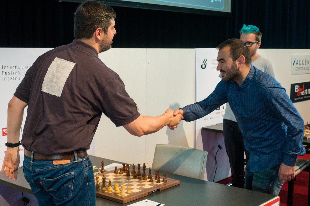 Пётр Свидлер и Шахрияр Мамедьяров. Шахматный турнир в Биле 2018