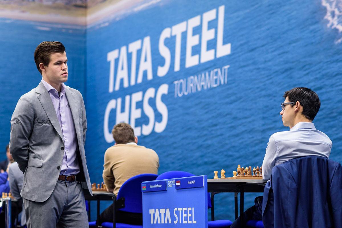 Магнус Карлсен лидирует, Аниш Гири на второй сточке. Шахматы, Тата Стил Чесс 2019