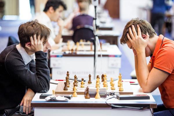 Шахматисты из России Даниил Дубов и Сергей Карякин