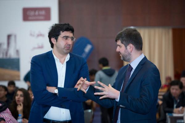Обладатель третьего места Владимир Крамник и Пётр Свидлер. Свидлер в турнире не играл - он выступал в роли комментатора