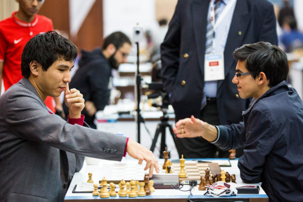 Шахматисты Уэсли Со и Аниш Гири согласились на ничью