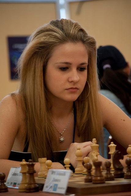 Крисивая шахматистка из Болгарии Цвета Галунова (Tsveta Galunova)