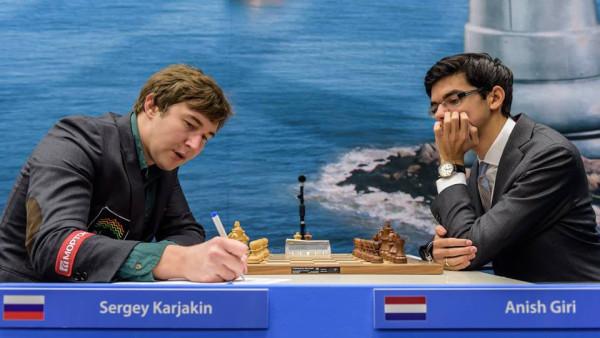 Сергей Карякин играл белыми против Аниша Гири - партия закончилась вничью