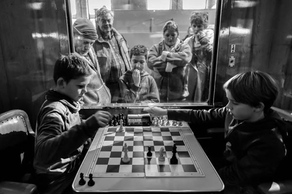Десятый тур Tata Steel Chess Tournament 2016, проходил в железнодорожном музее. Некоторые любители играли в вагонах, которые по сути являются экспонатами музея
