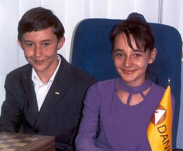 Совсем еще юные Сергей Карякин и Катерина Лагно