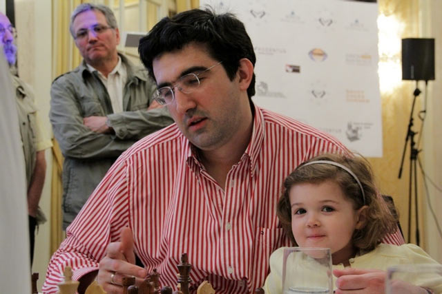 Владимир Крамник с дочерью Дарьей