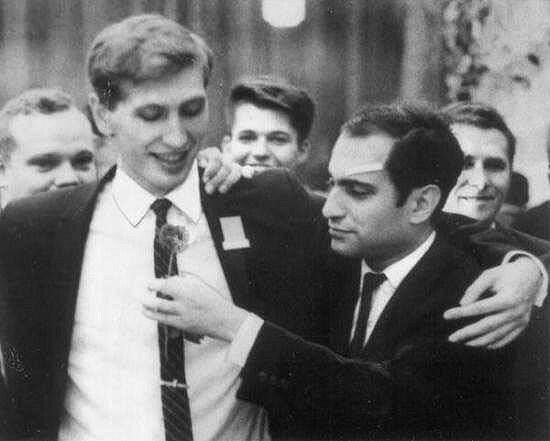 Роберт Фишер и Михаил Таль в дни всемирной шахматной олимпиады на Кубе (Гавана, 1966 год)
