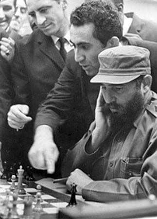 Тигран Петросян и лидер кубинской революции Фидель Кастро Рус