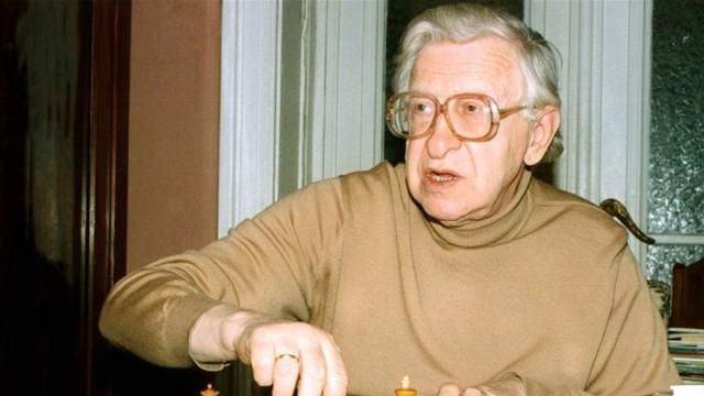 Шахматист Василий Васильевич Смыслов - 7-й чемпион мира по шахматам