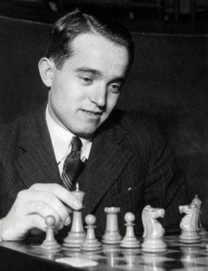 Шахматист Сало Флор