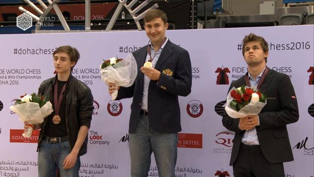 Призёры чемпионата мира по блицу Доха 2016 (Катар): Даниил Дубов, Сергей Карякин и Магнус Карлсен