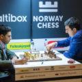 Виши Ананд (Индия) и Владимир Крамник (Россия) на турнире Altibox Norway Chess 2017