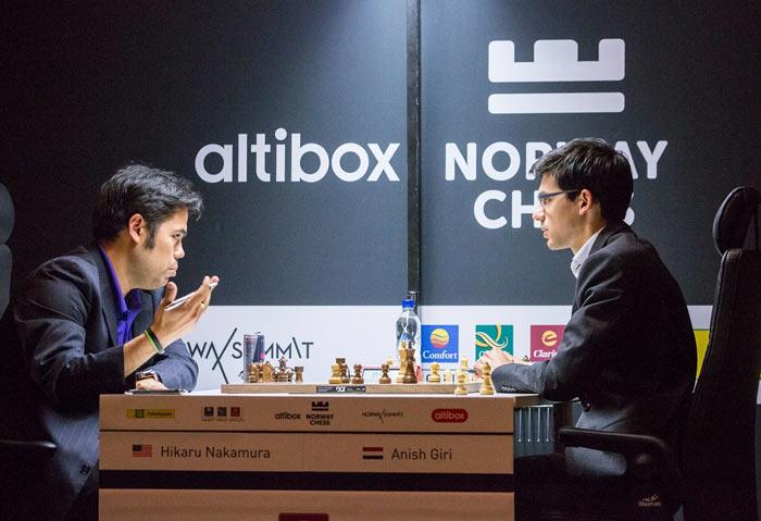 Хикару Накамура и Аниш Гири анализируют сыгранную партию