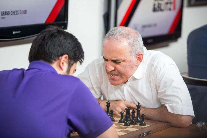 Хикару Накамура (США) - Гарри Каспаров (Россия)