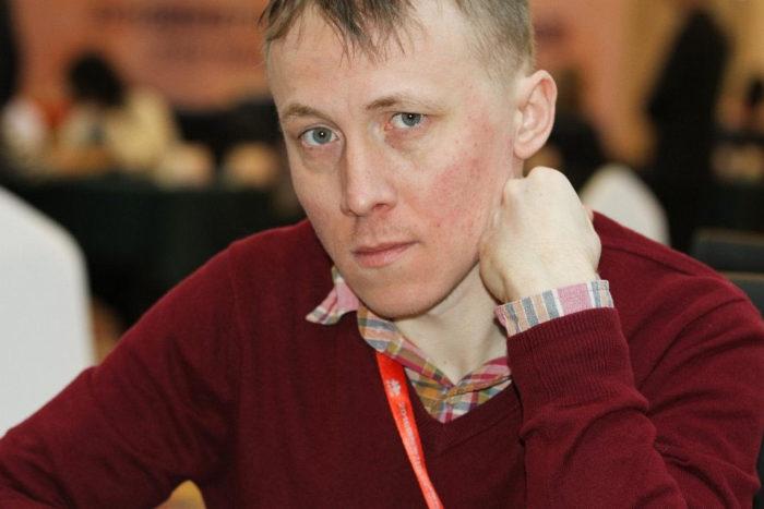 украинский шахматист, чемпион мира ФИДЕ (2002–2003). Заслуженный мастер спорта Украины.