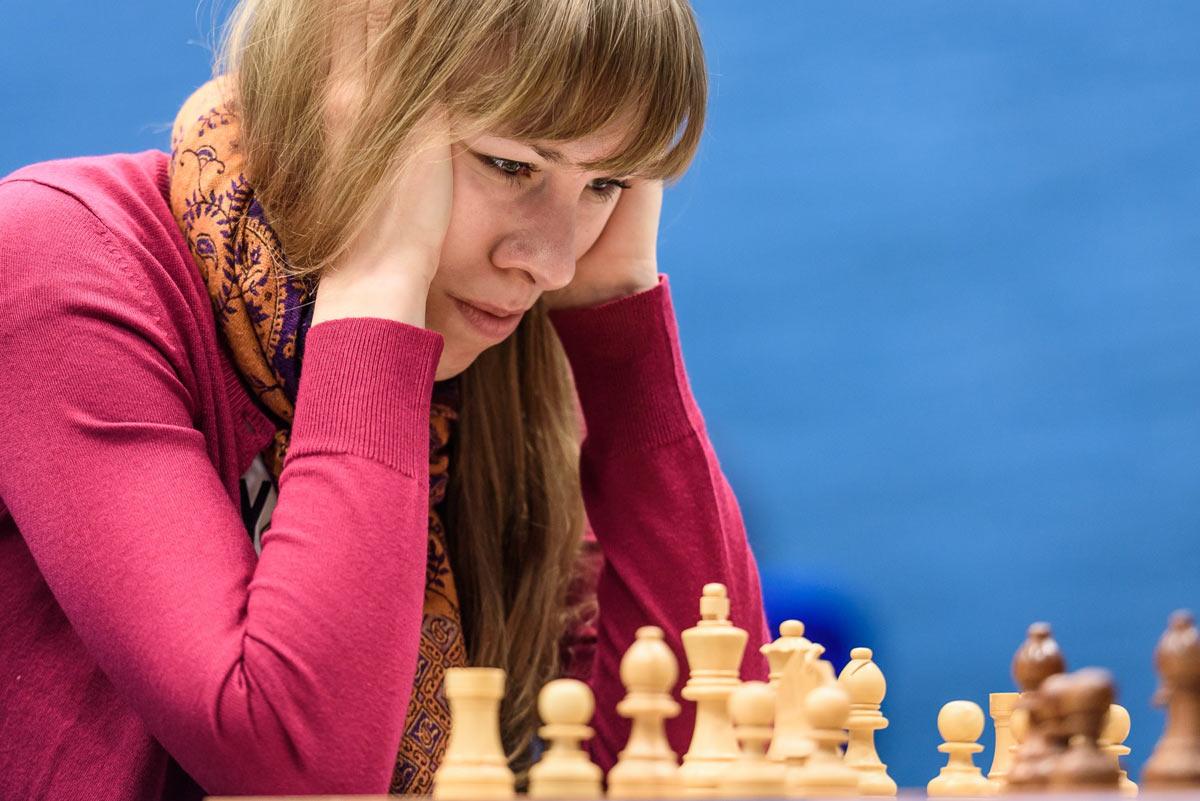 Ольга Гиря (Россия). Есть о чем задуматься играя с лидером Tata Steel Challengers