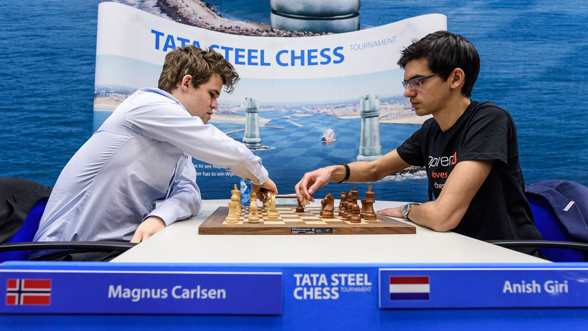 После заключительного тура Магнус Карлсен и Аниш Гири набрали по 9 очков - судьба первого места решилась на тай-брейке. Действующий чемпион мира одержал победу