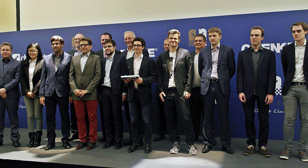 Совместное фото участников турнира и организаторов Grenke Chess Classic 2018