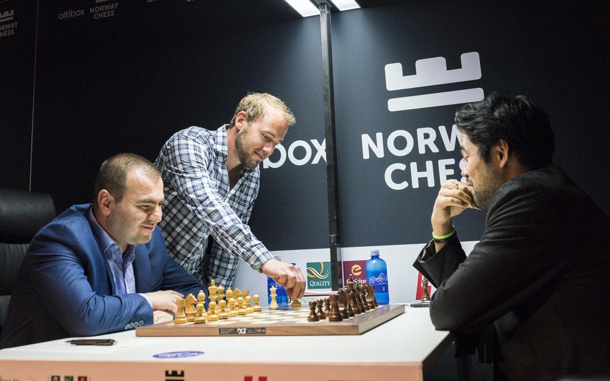 Шахматный турнир Ставангер 2018. Тур 5. Мамедьяров и Накамура