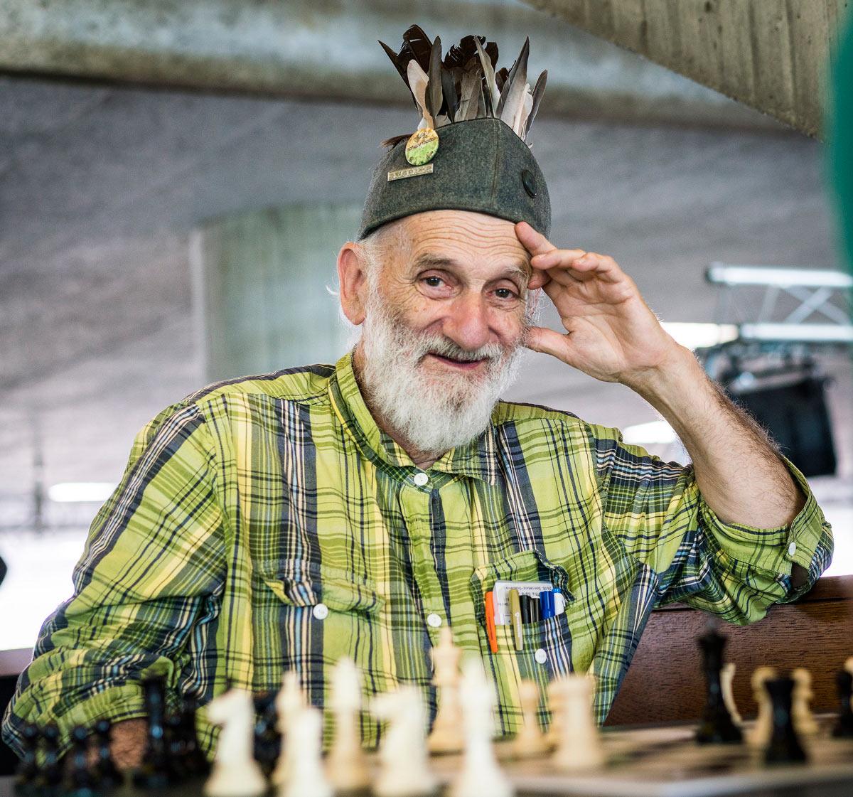 Шахматный любитель со стажем | Фото: Симон Бохненблуст